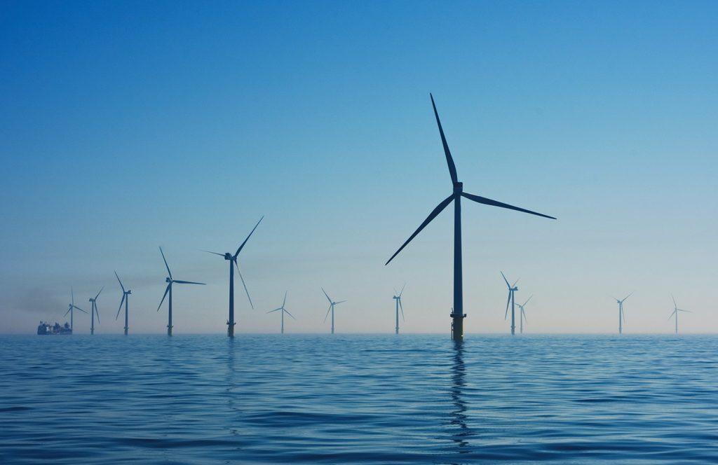 استفاده همزمان از باد و انرژی امواج در تولید برق