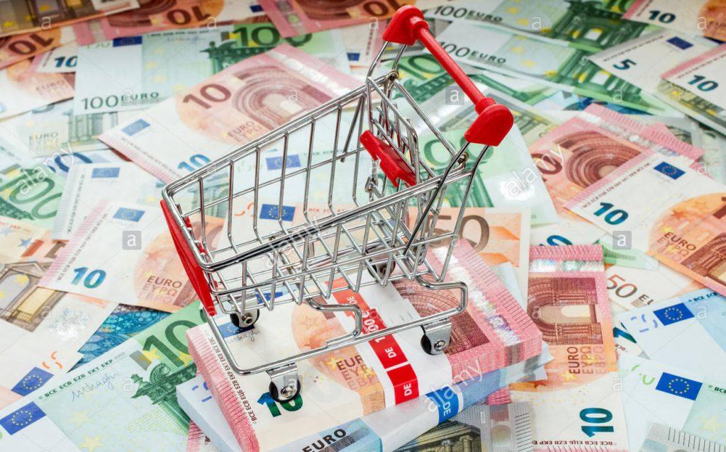 افزایش حجم پول موجب بالا رفتن تقاضا در جامعه میشود