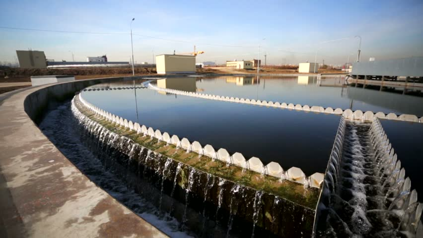 سالانه میلیونها مترمکعب آب در قالب فاضلاب از چرخه اقتصادی کشور خارج میشود.