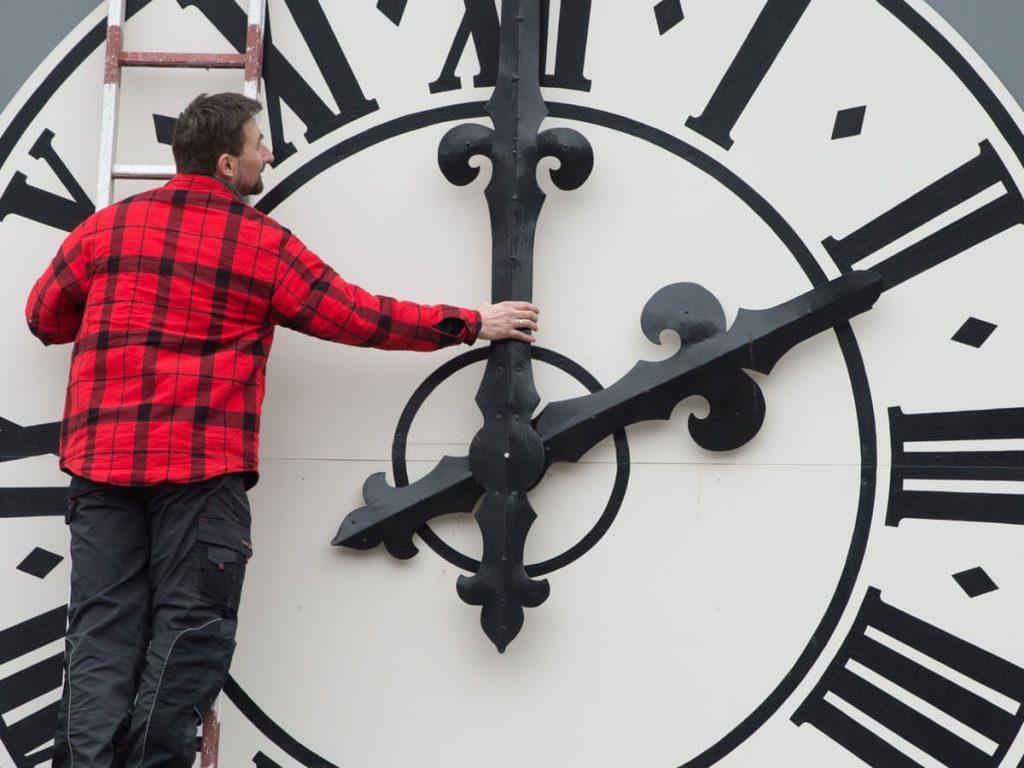 عادت نکردن بدن با تغییر ساعت در اروپا
