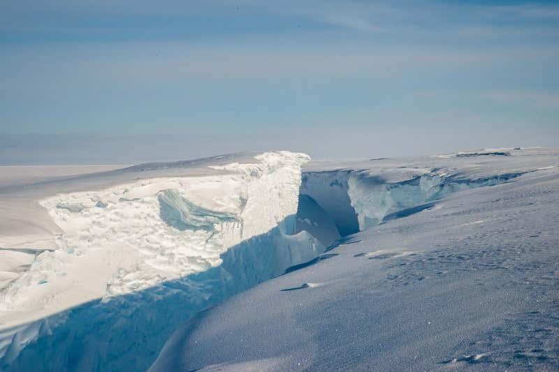 ذوب شدن یخ های قطبی