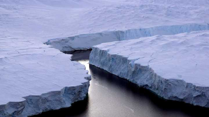 شکسته شدن کوه یخ
